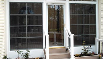 All-season room with EZE-Breeze vinyl windows